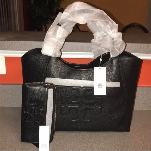 Tory Burch Handbags - 🌺🌺Tory Burch handbag with matching wallet🌺🌺